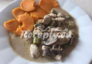 Krůtí kousky s chřestem a houbami Recepty z bílého a zeleného chřestu