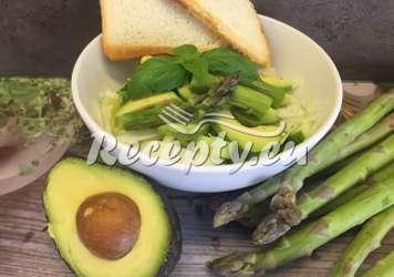 Šťavnatý chřestový salát Recepty z bílého a zeleného chřestu