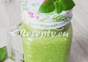 Zdravý chřestový koktej Recepty z bílého a zeleného chřestu