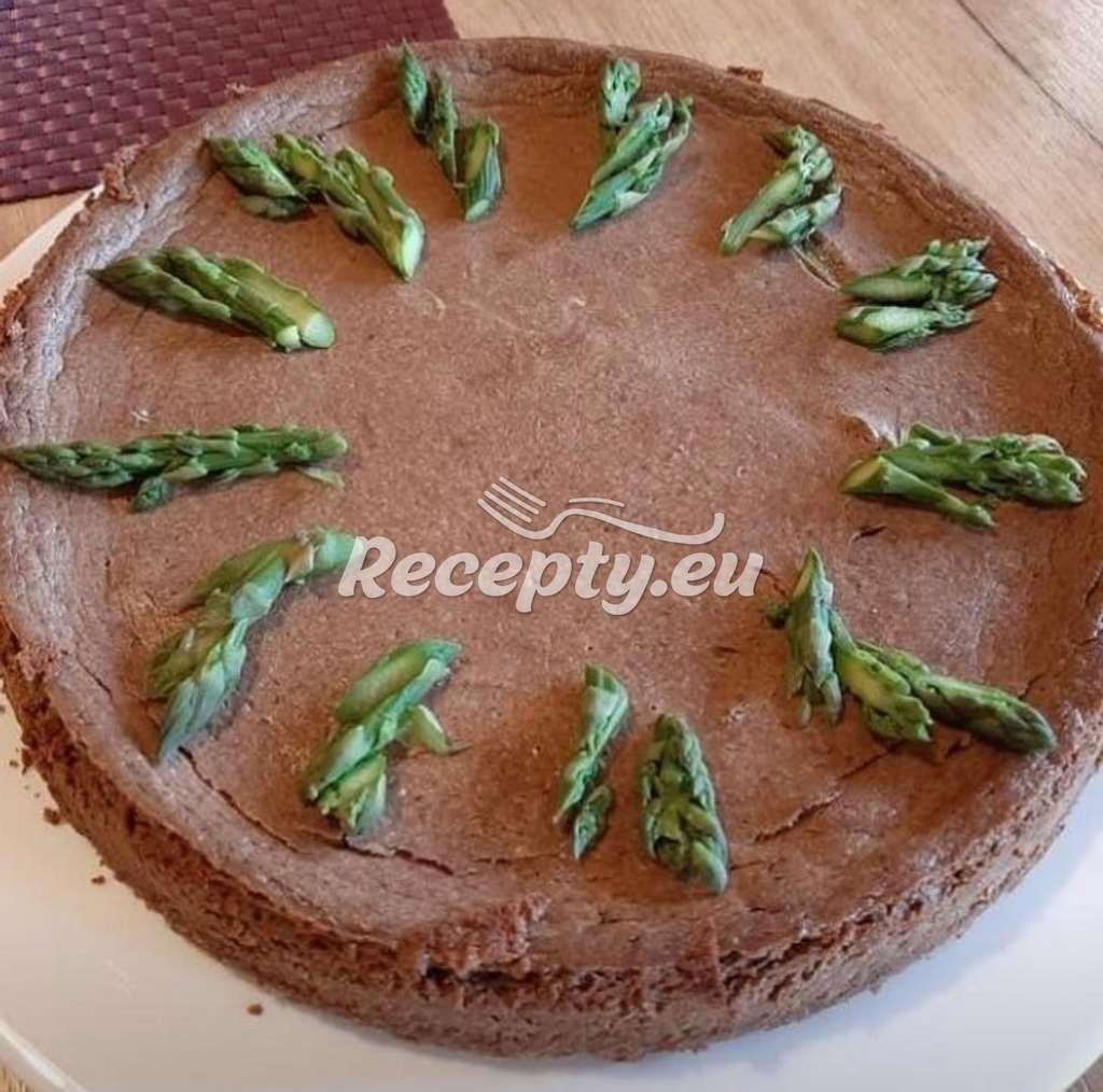 Čokoládový cheesecake s chřestem
